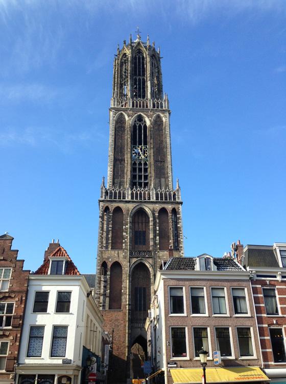 Foto Van de Dom Utrecht Van de Dom in Utrecht Naar